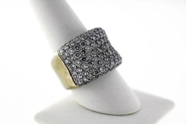 4.00 CTW, 18K Gold Ladies Fashion Ring