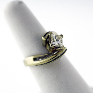 1.89CTW, White Gold fashion ring