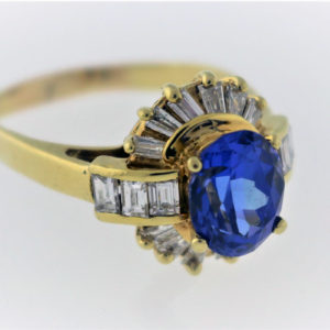 1.08CTW, 18K Yellow Gold Ring