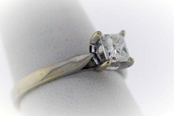 .74 Carat Weight, 18K, White Gold, 4.2G Ladies Engagement Ring