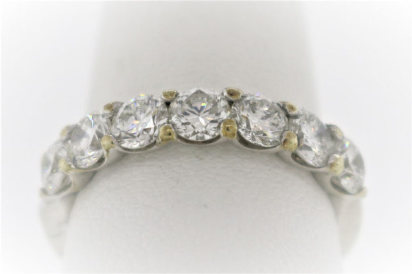 Lady's 3.8G Gold-Diamond Anniversary Ring