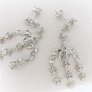 Lady's 11.9G White Gold Earrings