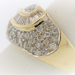 Lady's 6.4G Diamond Fashion Ring in 14K Gold