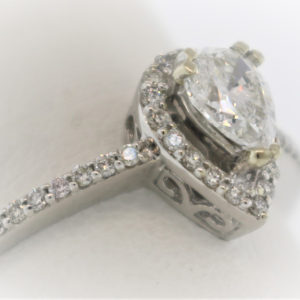 2.1G Ladies Engagement Ring in White Gold