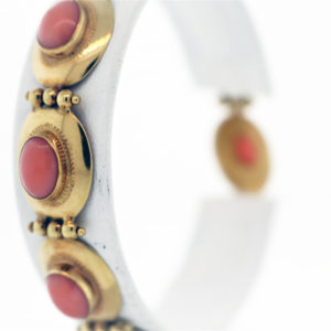 Coral Bracelet in 18K Yellow Gold