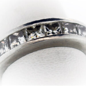8.5G Ladies Estate Collection Platinum Ring