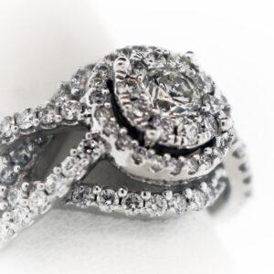 8.1G Ladies Fashion Ring in White Gold