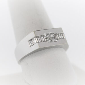 6.8G Gentleman's Fashion Ring in 18K White Gold