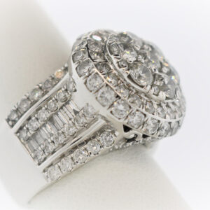 17.1G Ladies Fashion Ring in White Gold