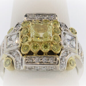 13.1G Ladies Fashion Ring in 18K Yellow Gold