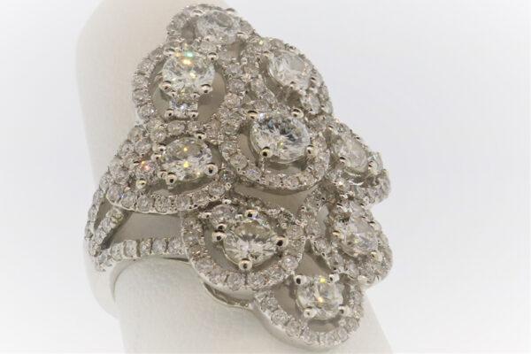 4.9G Ladies Fashion Ring in White Gold